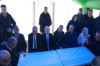 Kılıçdaroğlu'ndan Van'daki çığ faciasında şehit olan Jandarma Astsubay Çavuş Fatih Karagöz'ün ailesine ziyaret