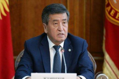 Kırgızistan Devlet Başkanı Sooronbay Ceenbekov istifa etti