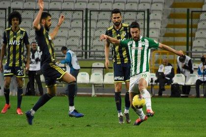 Konyaspor, Fenerbahçe'yi 1-0 mağlup etti