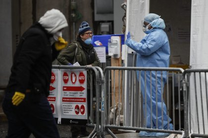 Koronavirüs salgınında can kaybı 21 bin 306'ya yükseldi