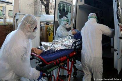Koronavirüs salgınında ölü sayısı 7 bin 954'e yükseldi