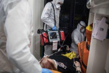 Koronavirüs servislerinde çalışan doktorlar: Normalleşme için henüz erken