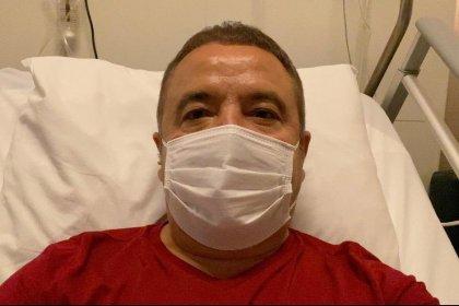 Koronaya yakalandığı için karantinada olan Muhittin Böcek'ten maske ve hijyen uyarısı
