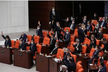 KYK borçlarının düzenlenmesiyle ilgili teklif AKP ve MHP'nin oylarıyla reddedildi