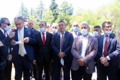 Lozan'ın yıldönümünde Anıtkabir'e dezenfekte bahanesiyle izin verilmemesi protesto edildi