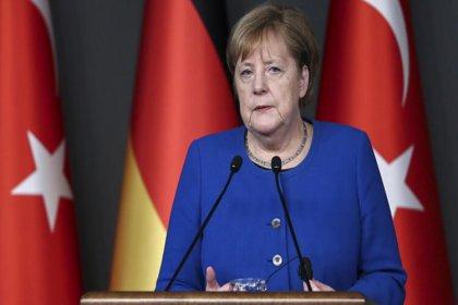 Merkel: Eldeki birçok veri failin ırkçı güdülerle hareket ettiğine işaret ediyor
