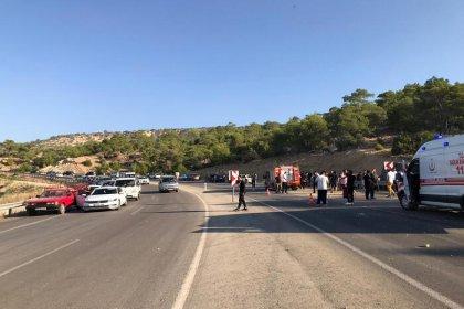 Mersin'de otobüs devrildi: 2 şoför ile 4 asker şehit oldu