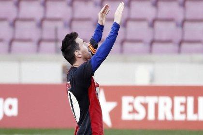 Messi'den Maradona'ya selam