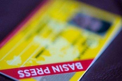 Muhalif gazetecilerin basın kartlarının iptalinde geri adım