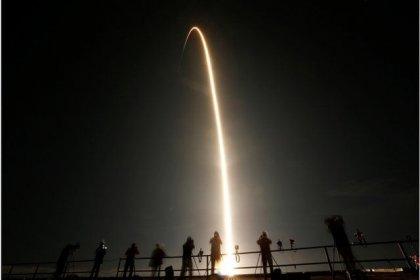 NASA SpaceX roketini 6 aylık görev için Uluslararası Uzay İstasyonu'na gönderdi