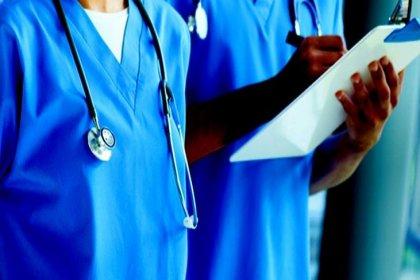New York'ta tıp öğrencileri koronavirüsle mücadele için erken mezun ediliyor