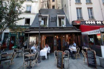 Paris'teki bütün barlar iki haftalığına kapatılıyor