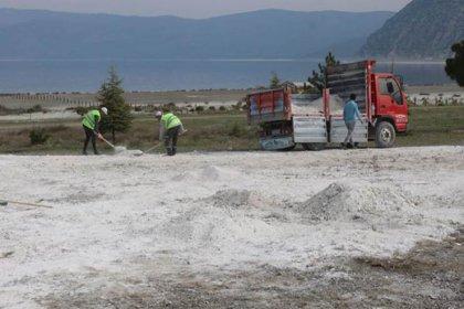 Prof. Kantarcı'dan Salda Gölü için uyarı: Taşınan kum değil Huntit minerali hidromagnezit; silikozis hastalığına yol açabilir