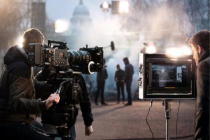 'Reklam filmi setlerinde çalışanlara, başlarına gelebilecek kazalardan yapımcıyı sorumlu tutmayan belge imzalatılıyor'