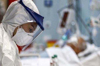 Sağlık çalışanlarına istifa yasağı getirildi, yıllık izinler durduruldu