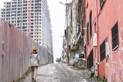 Sahibinden ucuza ağır hasarlı ev: 'Gidecek yerimiz olsa bu evde kalır mıyız?'