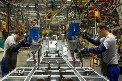 Sanayi üretimi üçte bir daraldı
