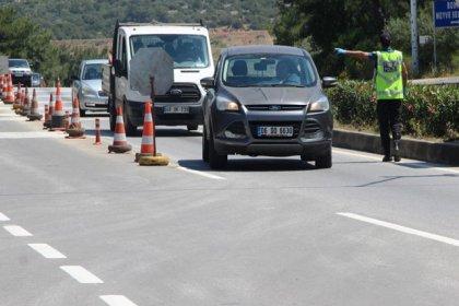 Seyahat yasağı kalktı, Bodrum'da araç yoğunluğu başladı