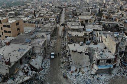 'Suriye ordusu, İdlib'in en büyük ilçesi Maarat el Numan'ı ele geçirdi'