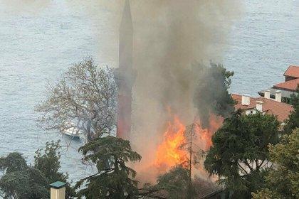 Tarihi Vaniköy Camii'nde çıkan yangın kontrol altına alındı