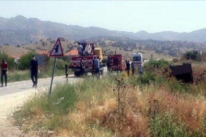 Tarım işçilerini taşıyan kamyon devrildi: İki kişi hayatını kaybetti