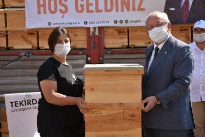Tekirdağ Büyükşehir Belediye Başkanı Kadir Albayrak: İl genelinde bin 138 üreticiye 22 bin 293 adet arı kovanı dağıttık
