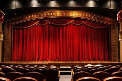 'Tiyatromuz Yaşasın İnisiyatifi: 'Tiyatroların bu ortamda normalleşmesi zor'