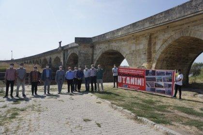 Trakya'nın tek kadın belediye başkanı Özlem Becan tarihi taş köprünün restorasyonu için yetkilileri göreve çağırdı