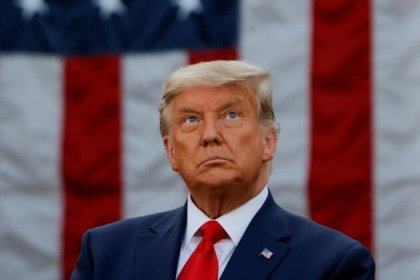 Trump, 900 milyar dolarlık koronavirüs yardım paketini 'israf' diyerek imzalamadı