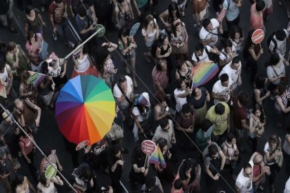 Trump, LGBT bireylere sağlık alanında tanınan korumayı kaldırıyor