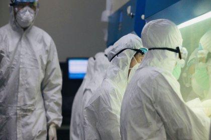 Trump 'risk çok yok' demişti, ABD sağlık yetkilileri ABD'de 'kökeni bilinmeyen' ilk koronavirüs vakasını tespit etti