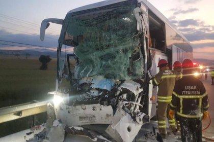 Uşak'ta feci kaza: 2 ölü, 18 yaralı