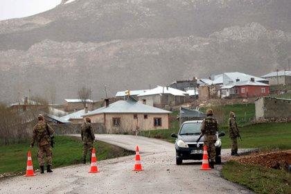 Van'da bir mahalle daha karantinaya alındı