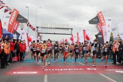 Vodafone 15. İstanbul Yarı Maratonu koşuldu: Maratonun birincileri İBB'li sporcular oldu