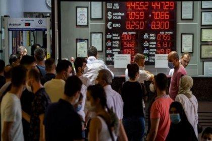 Wall Street Journal: Türkiye, TL'nin değer kaybına karşı cephanesini tüketiyor