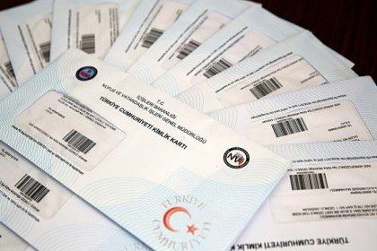 Yatırım yapan 9 bin 11 yabancı Türk vatandaşlığı kazandı