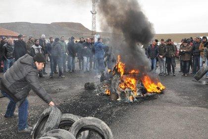 Yozgat'ta işten atılan 135 madenci direniş çadırı kurdu