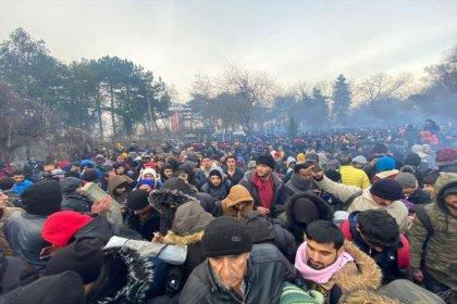 Yunanistan'dan mültecilere gazlı müdahale
