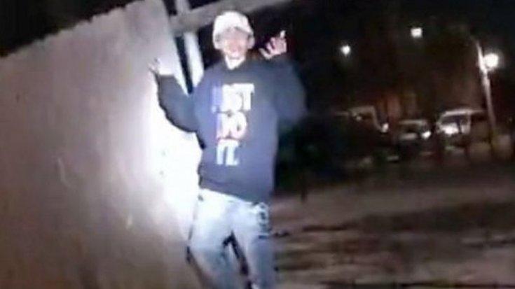 ABD'de polis, 13 yaşındaki bir çocuğun teslim olmasına rağmen vurularak öldürüldüğü videoyu yayımladı