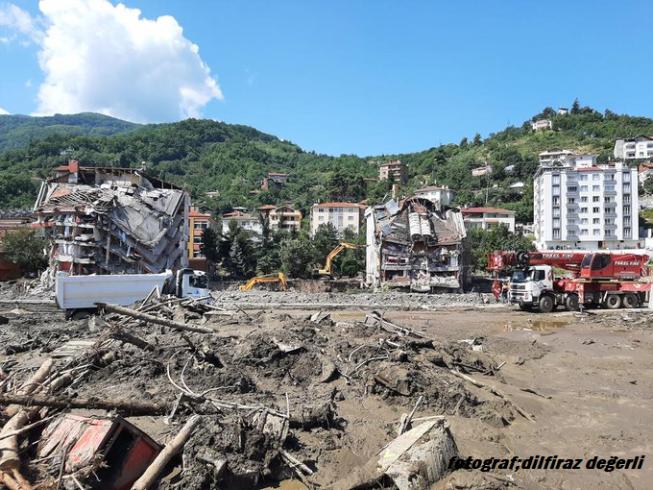 AFAD'dan Bartın, Kastamonu ve Sinop'ta meydana gelen yağışlar hakkında açıklama; hayatını kaybeden vatandaşlarımızın sayısı 82'ye ulaştı'