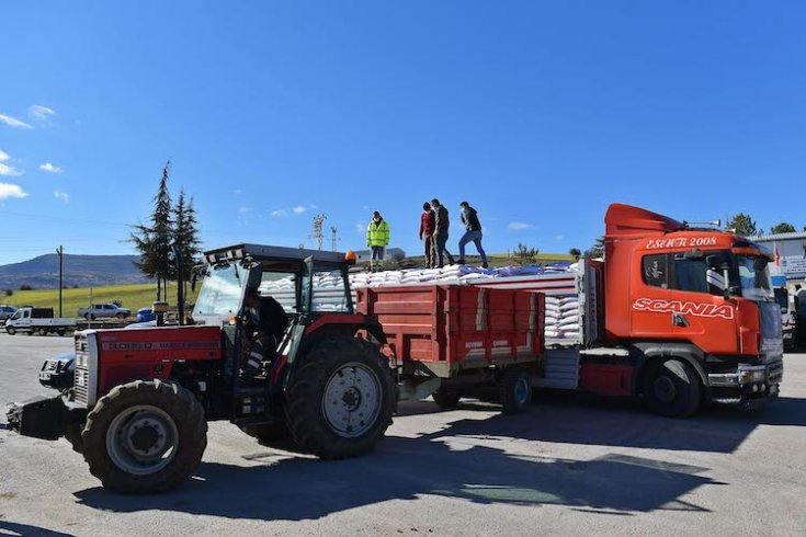 Ankara Büyükşehir Belediyesi'nin nohut tohum desteği başladı