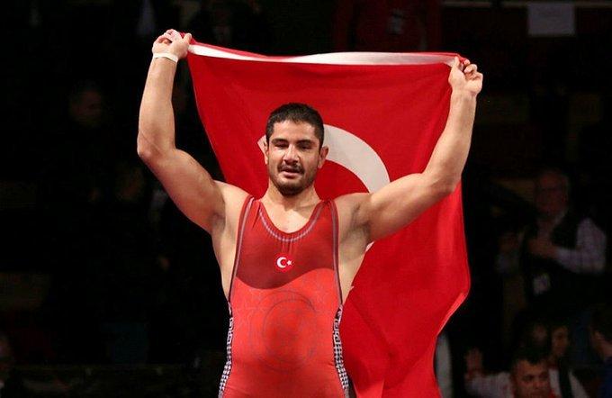 Avrupa Güreş Şampiyonasında 125 kiloda Milli Güreşçimiz Taha Akgül Avrupa şampiyonu oldu