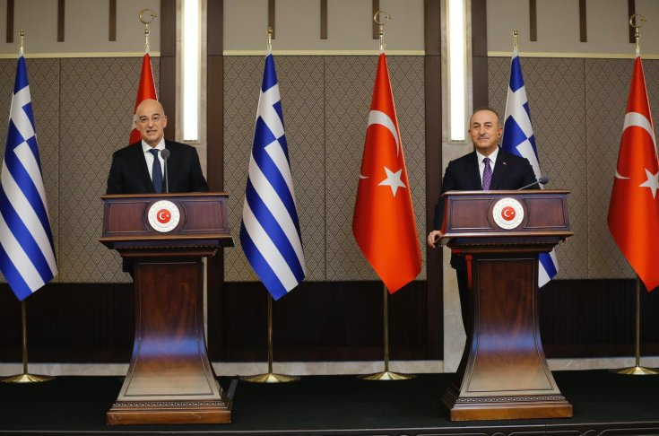 Çavuşoğlu ve Dendias'ın basın toplantısında gerilim