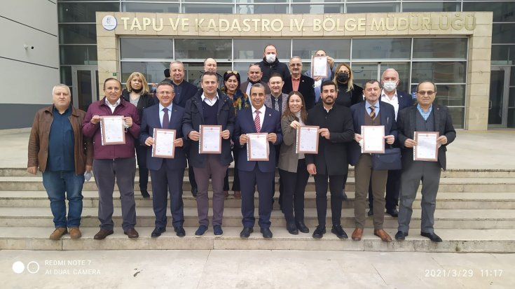 CHP Bursa İl Başkanlığı bina tapusunu aldı