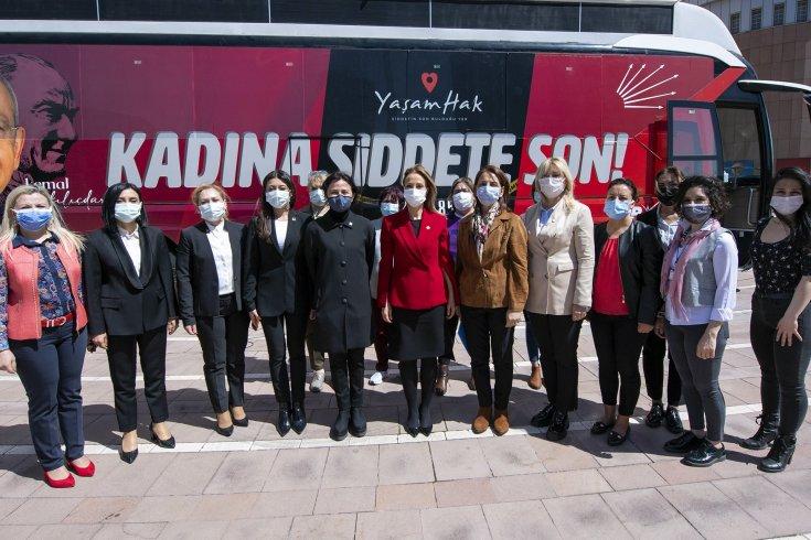 CHP Kadın Kolları'ndan Bingöl'de şiddet mağduru kadınlara istihdam, çocuklara burs desteği