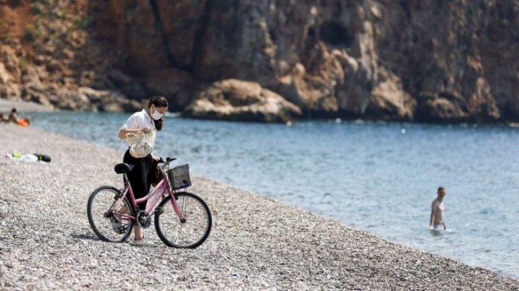 Economist: Türkler eve kapandı, ülkenin keyfini turistler çıkarıyor