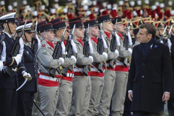 Fransa'da askerlerden Macron'a ikinci uyarı
