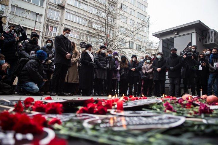 Hrant Dink katledilişinin 14. yılında anıldı: '14 yılda bir cinayet davasını çözemediler, nasıl kapatırız diye çabalıyorlar'