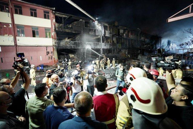 İBB Başkanı Ekrem İmamoğlu, Başakşehir İkitelli Çevre Oto Sanayi yangını hakkında bilgilendirme yaptı
