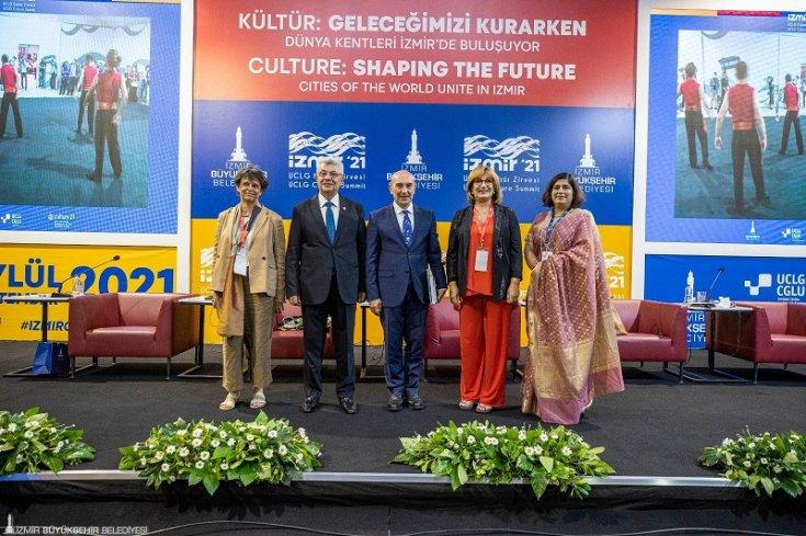 İzmir Büyükşehir Belediye Başkanı Tunç Soyer; 'İzmir'de yeni bir şehir kültürü tarif ediyoruz'